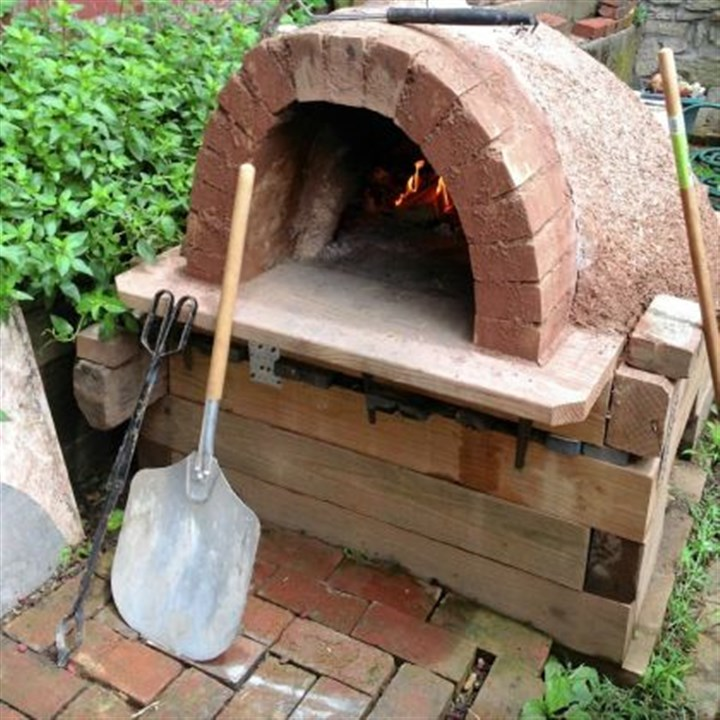 Pierina Morelli's pizza oven Pierina Morelli built her pizza oven out of salvaged materials.