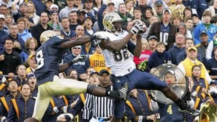 Pittc Pitt wide receiver Jonathan Baldwin catches a touchdown pass against Notre Dame in 2008.
