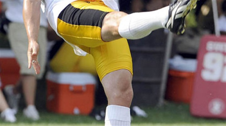 Punter Steelers punter Paul Ernster practices during training camp Thursday afternoon.