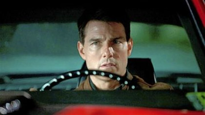"reacher1 Tom Cruise in ""Jack Reacher"": Really, you can make a Pittsburgh Left."