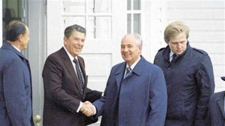 gorbachev and reagan meet