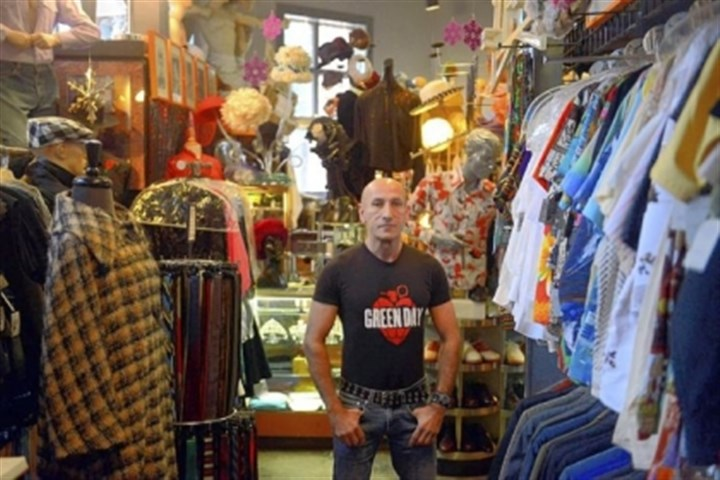 "Richard Parsakian Richard Parsakian, owner of Eons in Shadyside, says vintage store customers won't find jewelry that is cheaply made. For example, ""If you see something made with rhinestones, it will most likely be set with prongs as opposed to something that's glued in."""