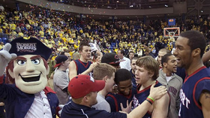 Robert Morris Robert Morris players and fans celebrate.