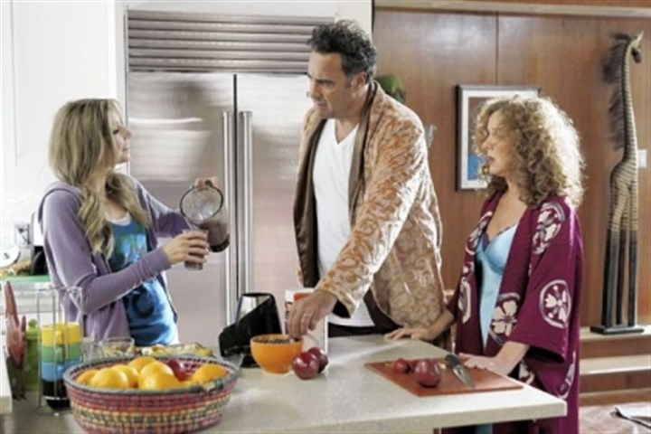 "Sarah Chalke, left, Brad Garrett and Elizabeth Perkins Sarah Chalke, left, Brad Garrett and Elizabeth Perkins star in ""How to Live With Your Parents (For the Rest of Your Life)."""