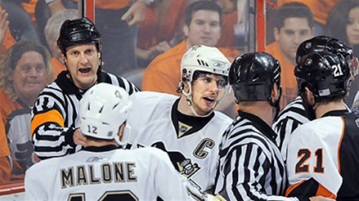 Sidney Crosby photo The Penguins' Sidney Crosby argues with the Flyers' Jason Smith at the Wachovia Center Thursday.