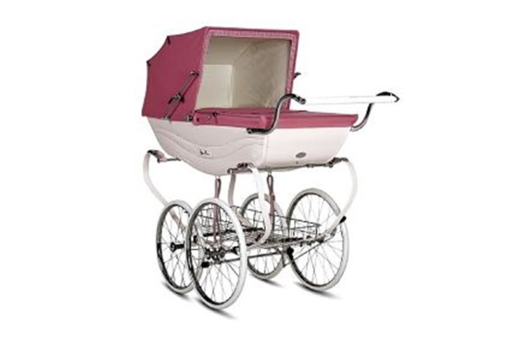 Silver Cross Balmoral Pram The Silver Cross Balmoral Pram in both black and pink. The prams are available at PoshTots.com for $4,400.