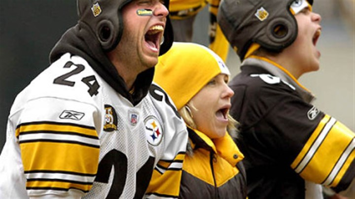 Steelers fans Steelers fans cheer for their team against the Browns. (vs. Browns 11/11/07)