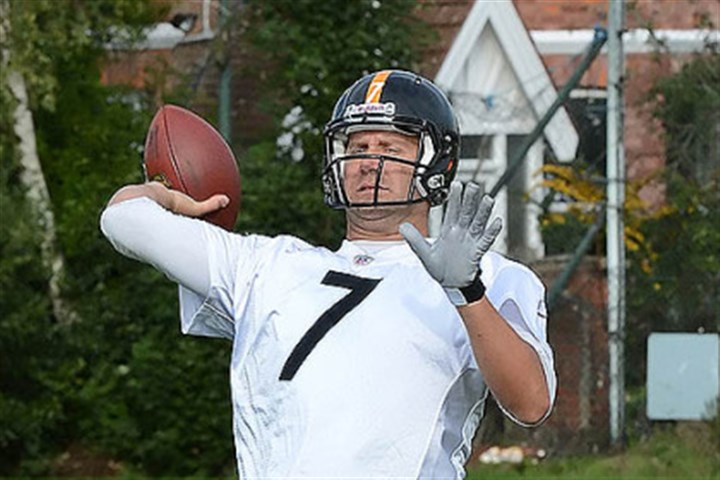 Steelers London Steelers quarterback Ben Roethilsberger drops back to pass during workouts at Twyford Avenue Sports Grounds, located in the Acton district of West London. Sunday, the Steelers will take on the Minnesota Vikings at Wembley Stadium.