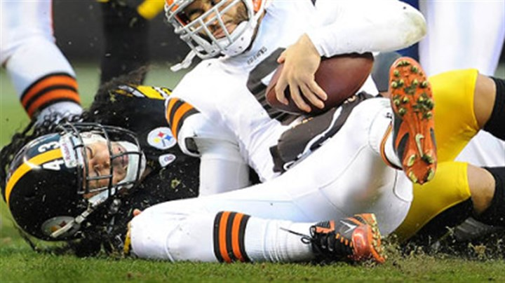 Steelers Troy Polamalu Steelers Troy Polamalu sacks Browns quarterback Seneca Wallace in the first half of tonight's game in Cleveland.