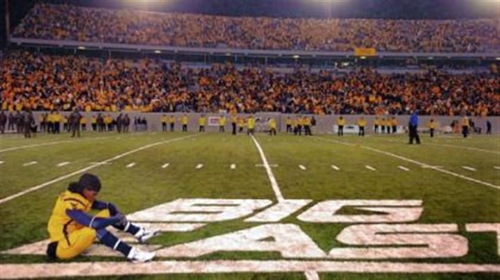 Stunning Perhaps no Backyard Brawl in the past decade was as meaningful -- or as stunning -- as Pitt's 13-9 win in Morgantown, W.Va., to end the 2007 season. The victory by Pitt knocked West Virginia out of a likely shot at playing for the BCS national championship.