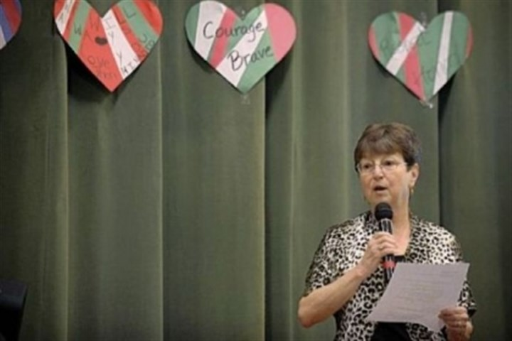 Susanne Pearson Evans Susanne Pearson Evans speaks Thursday to students at Minadeo School in Squirrel Hill and via Skype to students at Minadeo School in Montagano, Italy. Mrs. Evans was injured in a traffic accident in 1954 in which 15-year-old John Minadeo was killed while saving several students. The schools in Pittsburgh and Italy are named after the young hero.