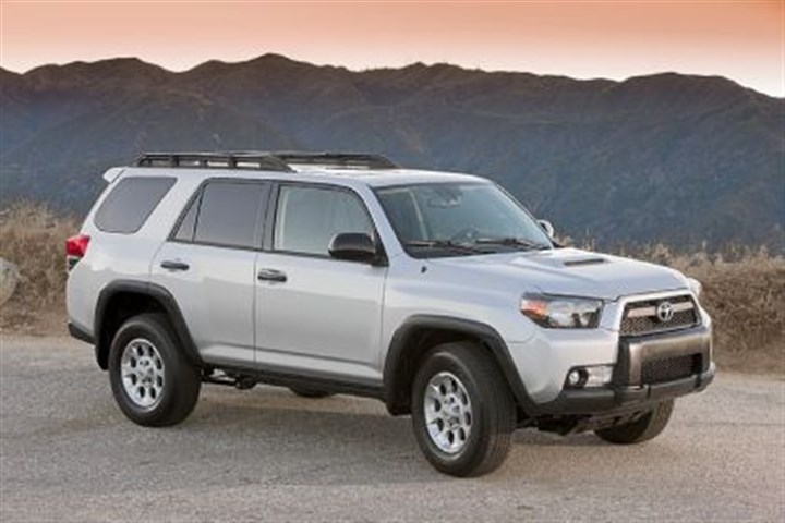 The 2013 Toyota 4Runner Trail The 2013 Toyota 4Runner Trail 4WD
