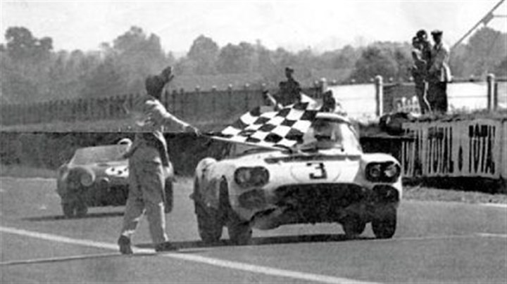 The No. 3 Corvette The No. 3 Corvette, above takes the flag in the 1960 Le Mans race. It's one of three fielded in the race, including the disputed No. 1.