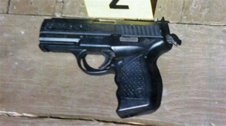 The pellet gun The pellet gun that police said Odell Brown pointed at a sheriff's deputy, who then fatally shot him.