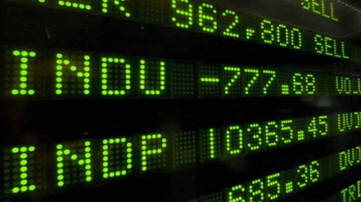 The plunge A board at the New York Stock Exchange displays the final numbers, yesterday. Wall Street's worst fears came to pass, when the government's financial bailout plan failed in Congress and stocks plunged precipitously. (AP Photo/Richard Drew)