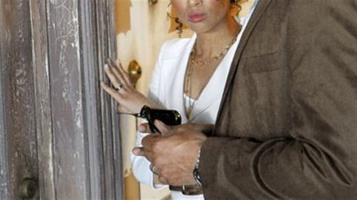 """Undercovers"" Gugu Mbatha-Raw and Boris Kodjoe are married spies in ""Undercovers."""
