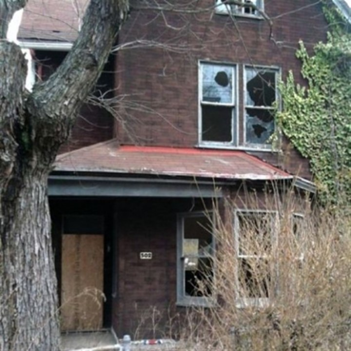 Walkabout: Blighted properties Not so livable: 502 Chester Ave. in Perry South