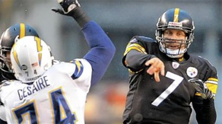 Way to go Steelers' Ben Roethlisberger completes a pass to Hines Ward in Sunday's win over the Chargers.