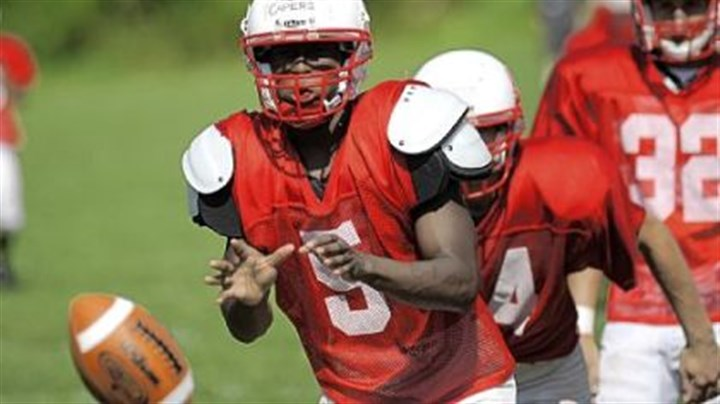 Wayne Capers Chartiers Valley quarterback Wayne Capers is dealing with a fractured bone in his right foot.