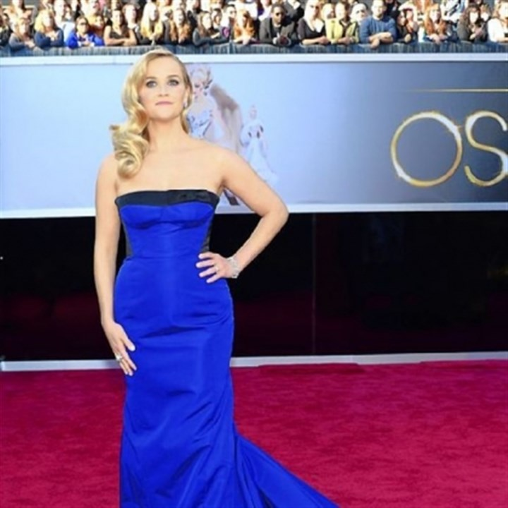 Witherspoon on red carpet Reese Witherspoon went strapless in blue for the Oscars.