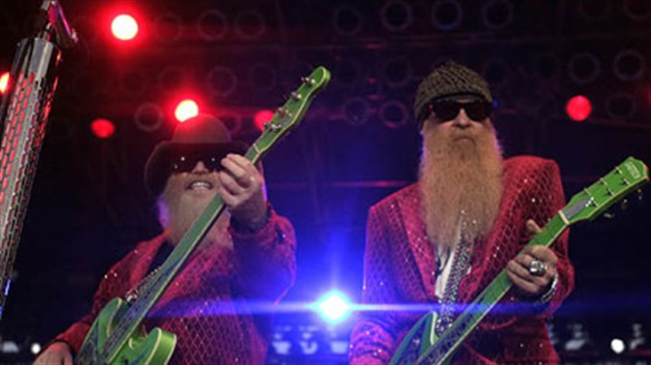 ZZ Top circa 2005 ZZ Top performs at the 2005 Mississippi Valley Fair in Davenport, Iowa.
