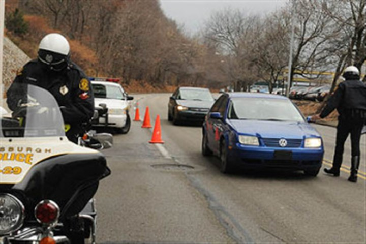 /pg/09350/1021185-53.stm Municipal and law enforcement officials in the state say it's time to arm local officers with radar to catch speeding motorists. They say radar is much more effective than other speed-detection methods and would lead to safer driving.