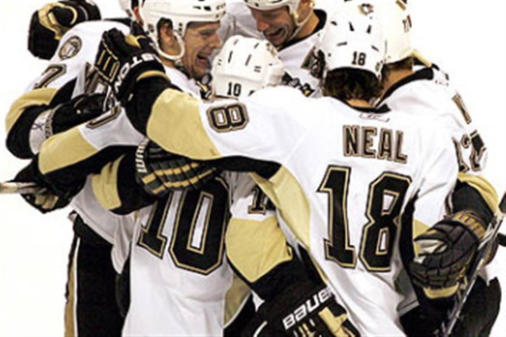 michalekmartin0201 Former Penguins defenseman Zbynek Michalek celebrates a goal with teammates Mark Letestu, James Neal, Alex Kovalev, Jordan Staal and Paul Martin.