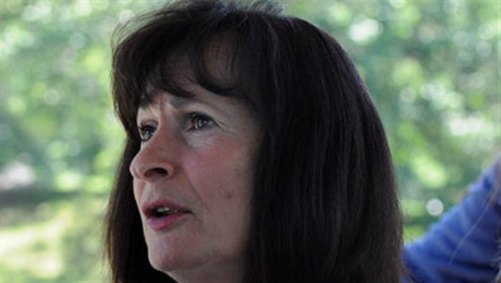 Evelyn Talbott Evelyn Talbott, a University of Pittsburgh professor of epidemiology, led the study on the effects of air toxics on autism spectrum disorders.