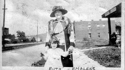 Emalene Friedman and her daughter Ruth
