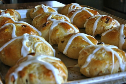 Hot Cross Buns Hot Cross Buns -- surprisingly easy to make.