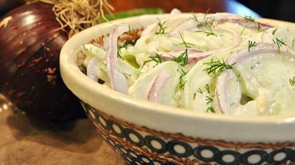 Mizeria Mizeria (Polish Cucumber Salad).