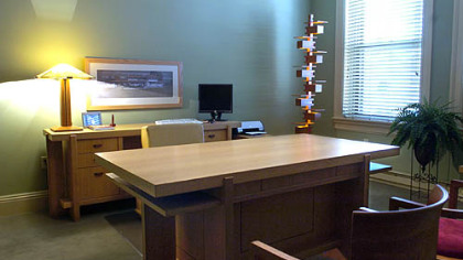 Inspired By Wright Lawyer Holds Court In Digs Reflecting