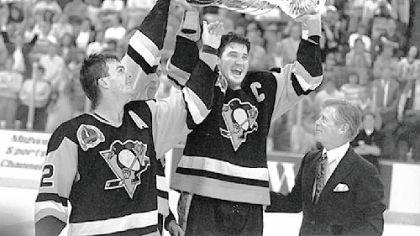 Stanley Cup 1991 Assistant captain Bob Erry watches Mario Lemieux