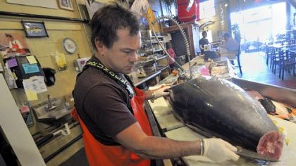 Penn avenue is knife central in pittsburgh pittsburgh for Fish store pittsburgh