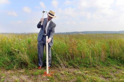 lfight 93 2013 Gordon Felt, the president of Families of Flight 93, nails a stake into the ground marking the exterior wall of the new visitors center in Stonycreek, Somerset County, in September.