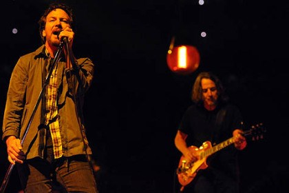 pearl jam 5 Eddie Vedder, left, leads Pearl Jam at Consol Energy Center Friday night.