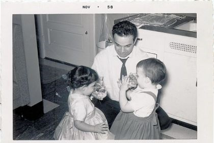 portfolio gene glickman Gene Glickman with his daughter Audrey, left, and niece Beverly Levite in 1958.