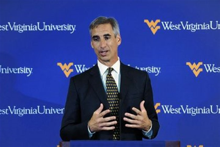 luck West Virginia athletic director Oliver Luck was named to the 13-member College Football Playoff selection committee Wednesday.
