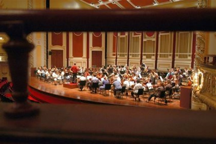 PSO0114Kickstarter The Pittsburgh Symphony Orchestra rehearses at Heinz Hall.