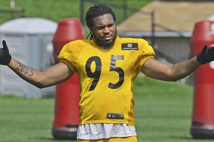 Steelers-2 The Steelers' No. 1 draft pick Jarvis Jones goes through