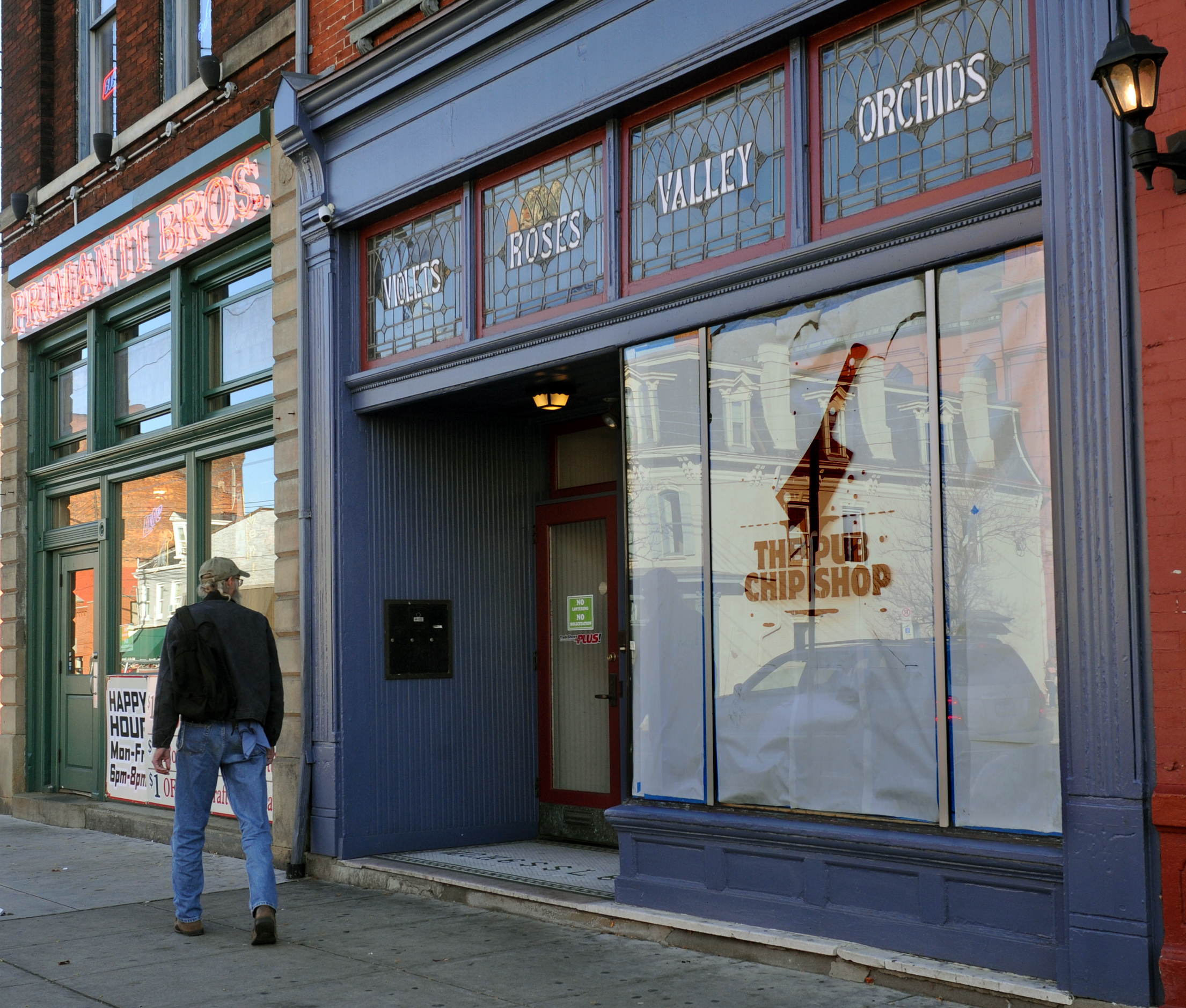 South side 39 s pub chip shop elects to open on november 39 s for Fish store pittsburgh