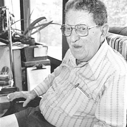 "Harold Weisberg Harold Weisberg, who wrote the 1965 ""Whitewash,'' was one of the first to challenge the Warren Commission's findings."