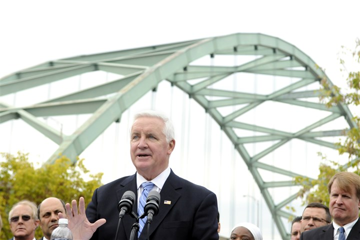 20131029RARlocalcorbett1.jpg Pennsylvania Gov. Tom Corbett speaks at Riverfront Park about the need for the Pittsburgh region to have a comprehensive transportation plan.