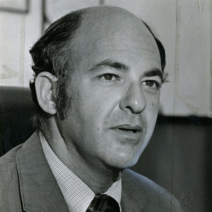 "Cyril Wecht Cyril Wecht , long a vocal critic of the Warren Commission's ""single-bullet"" theory, in 1973."