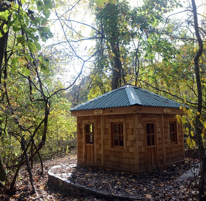 PittsburghBotanicGard.5-1 A child-sized wooden cabin at the Pittsburgh Botanic Garden.