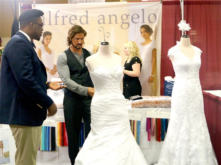 "Realitycheck1102 Alfred Angelo Bridal president Paul Quentel -- in disguise -- worked an industry show in Pittsburgh on the Nov. 1 broadcast of the CBS show ""Undercover Boss."""