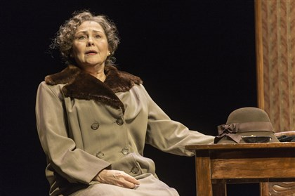 "2014TonyNomsCherryJones0429 Cherry Jones as Amanda Wingfield in ""The Glass Menagerie."""