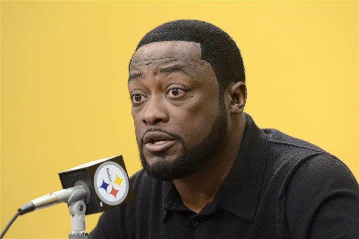 20131105arTomlinSports02-1 Steelers coach Mike Tomlin speaks to the media during his weekly press conference at the Steelers South Side training facility yesterday.