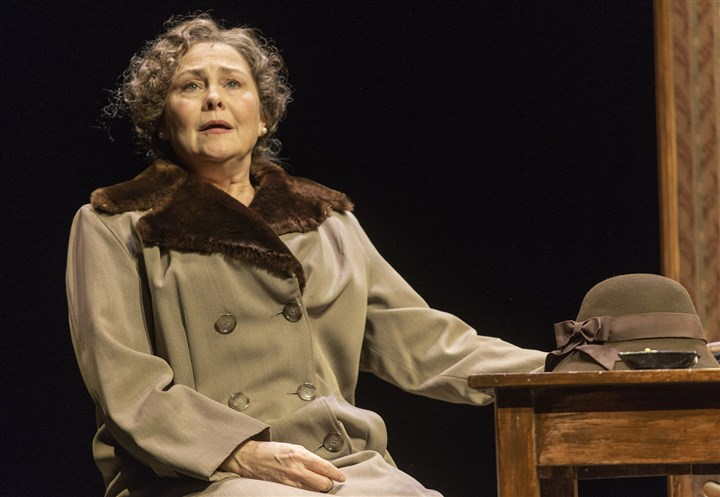 "GlassMenagerie  Cherry Jones as Amanda Wingfield in ""The Glass Menagerie."""