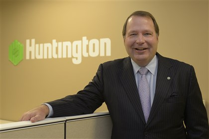 20131107jrHuntingtonBiz Huntington Bank CEO Stephen Steinour at the Huntington Bank offices in the Grant Building, Downtown.